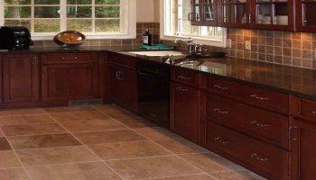 Плитка или ламинат для пола кухни